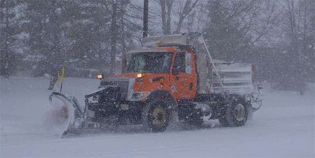 snow-plow-working