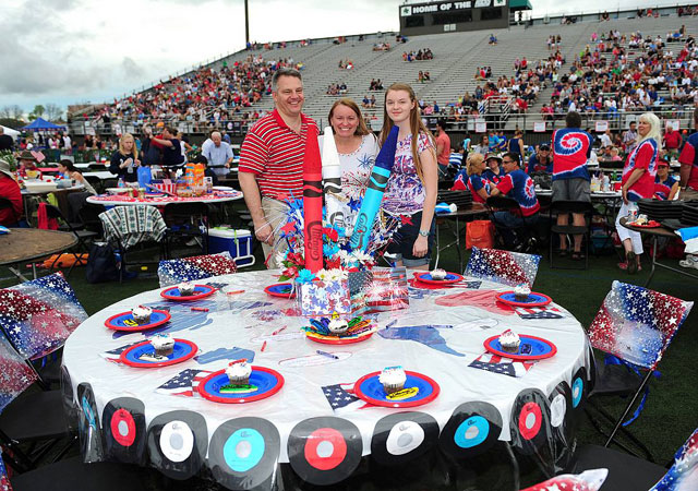 Independence-Day-Table-Winner_Soppe-Family-2013-