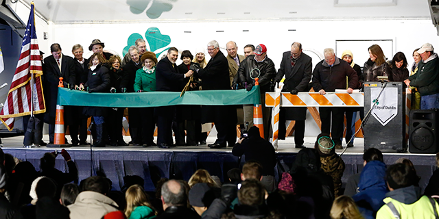 emerald-parkway-ribbon-cutting